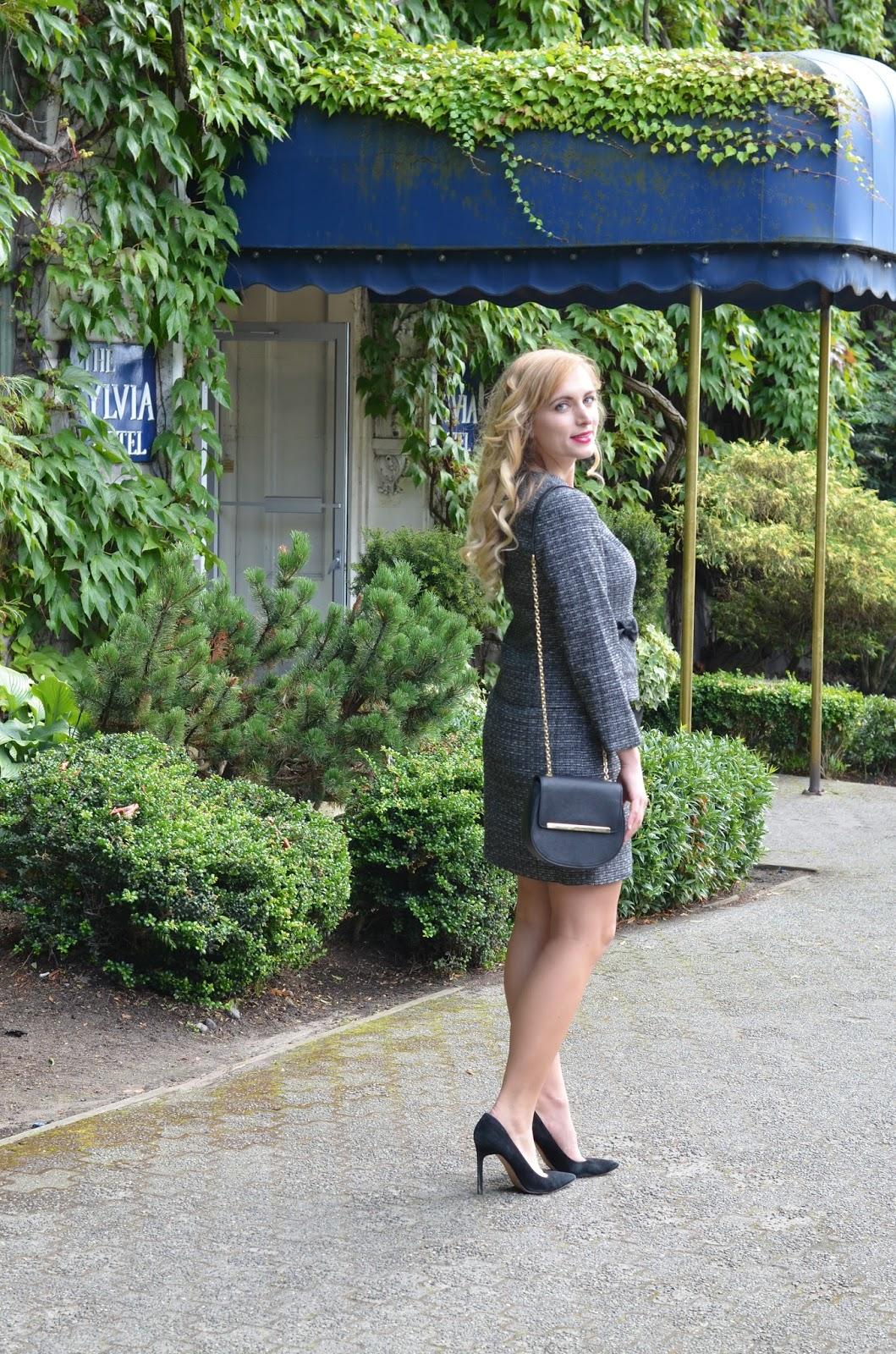 a line skirt suit