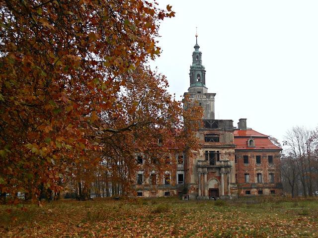 Pałac w Chocianowie jest bardzo zniszczony, ale są próby jego wyremontowania