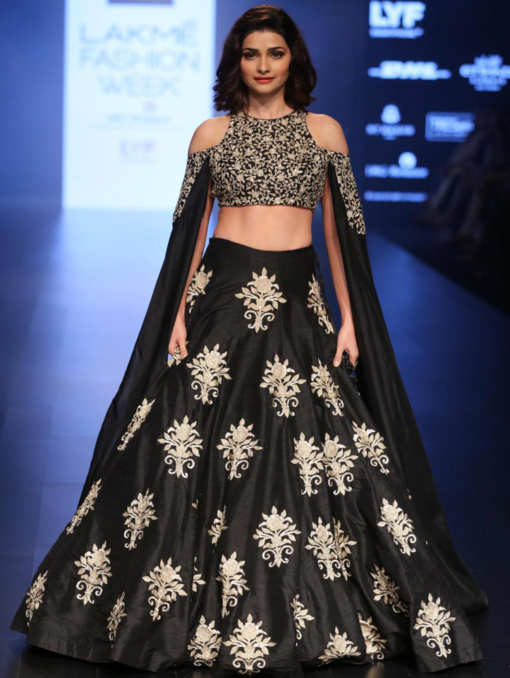 998028721 Kala Shree Heritage : Latest Trends In Indian Fashion: How to dress ...
