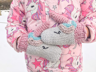 crochet unicorn mitts