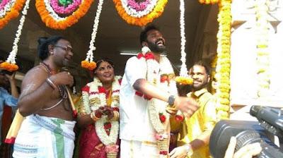 actor-ramesh-thilak-and-navalakshmi-wedding-stills-photos-pictures-13