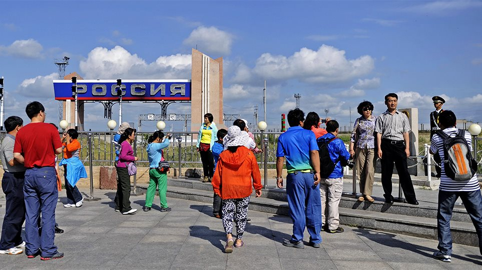 Η Ρωσία Κλείνει Τα Σύνορα Με Την Κίνα Για Να Αποτρέψει Την Εξάπλωση