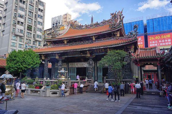 龍山寺は台北でもっとも知られた寺