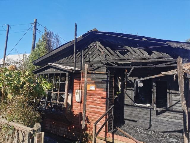 Incendio destruyó vivienda de adulto mayor en Río Bueno