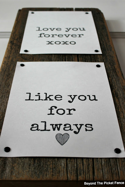 free print, valentine's day, love you forever, reclaimed wood sign, heart decor, valentine decor, easy, DIY, sign, http://bec4-beyondthepicketfence.blogspot.com/2016/01/love-you-forever-easy-valentine-decor.html
