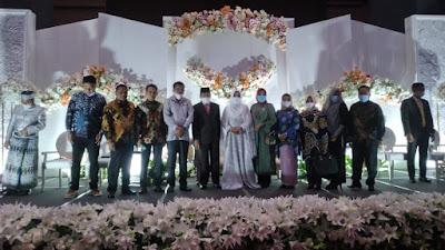 Editan Fhoto Bupati Sidrap Dan Ayu Bersanding,  Akhirnya Terjawab Dengan Resepsi Pernikahan