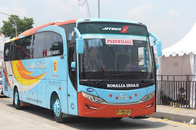 Foto Bus Rosalia Indah 198