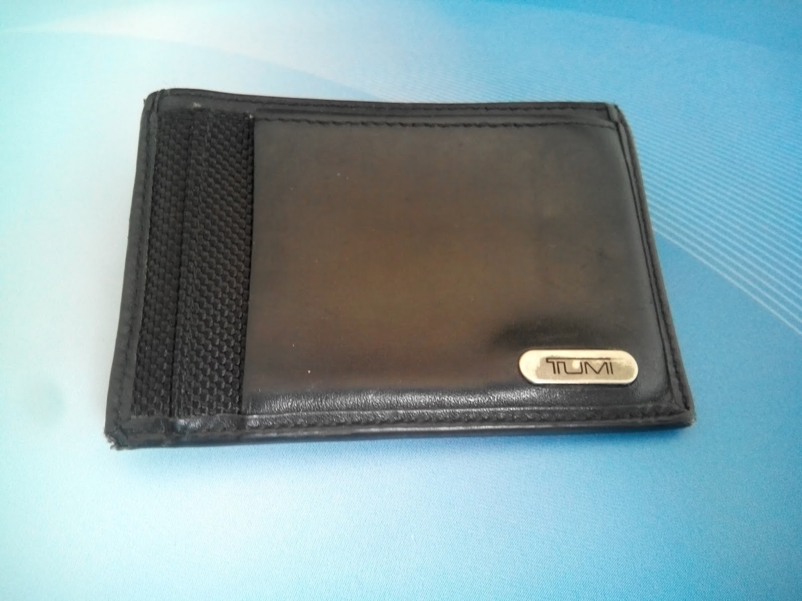 A Malaysian Man: How things (do not) last: TUMI card holder with ...