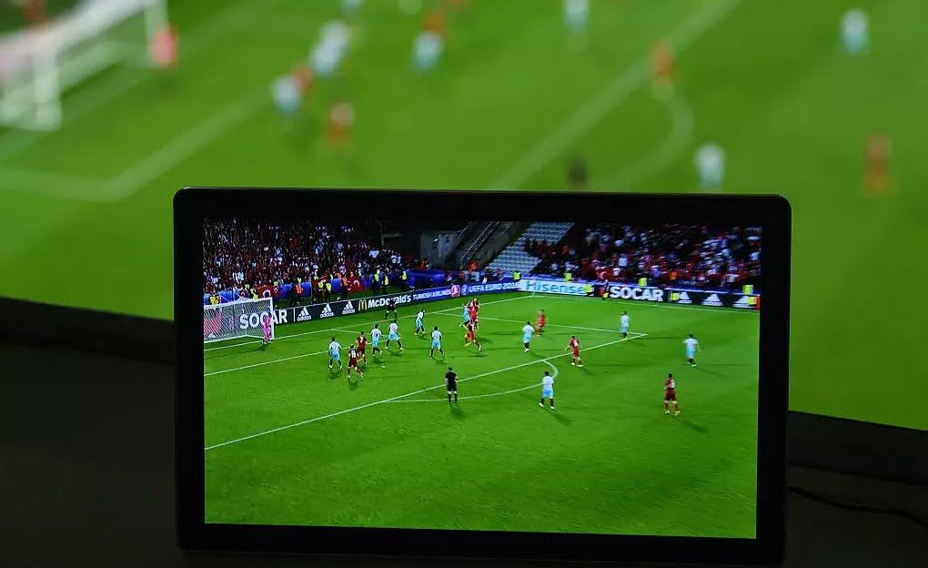 DIRETTA Calcio: Liverpool-Napoli Streaming Rojadirecta Inter-Lione Gratis, dove vedere le partite Oggi in TV. Domani Real Madrid-Juventus e Milan-Barcellona.