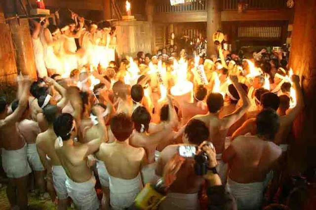 Urasa Hadaka Oshiai Festival in Minami-Uonuma City, Niigata Pref.