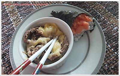 GYUDON; COMIDA ORIENTAL; bife bowl ou bacia de carne; comida japonesa; temaki; sushi;