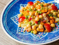 Salada de Grão-de-Bico e Legumes (vegana)