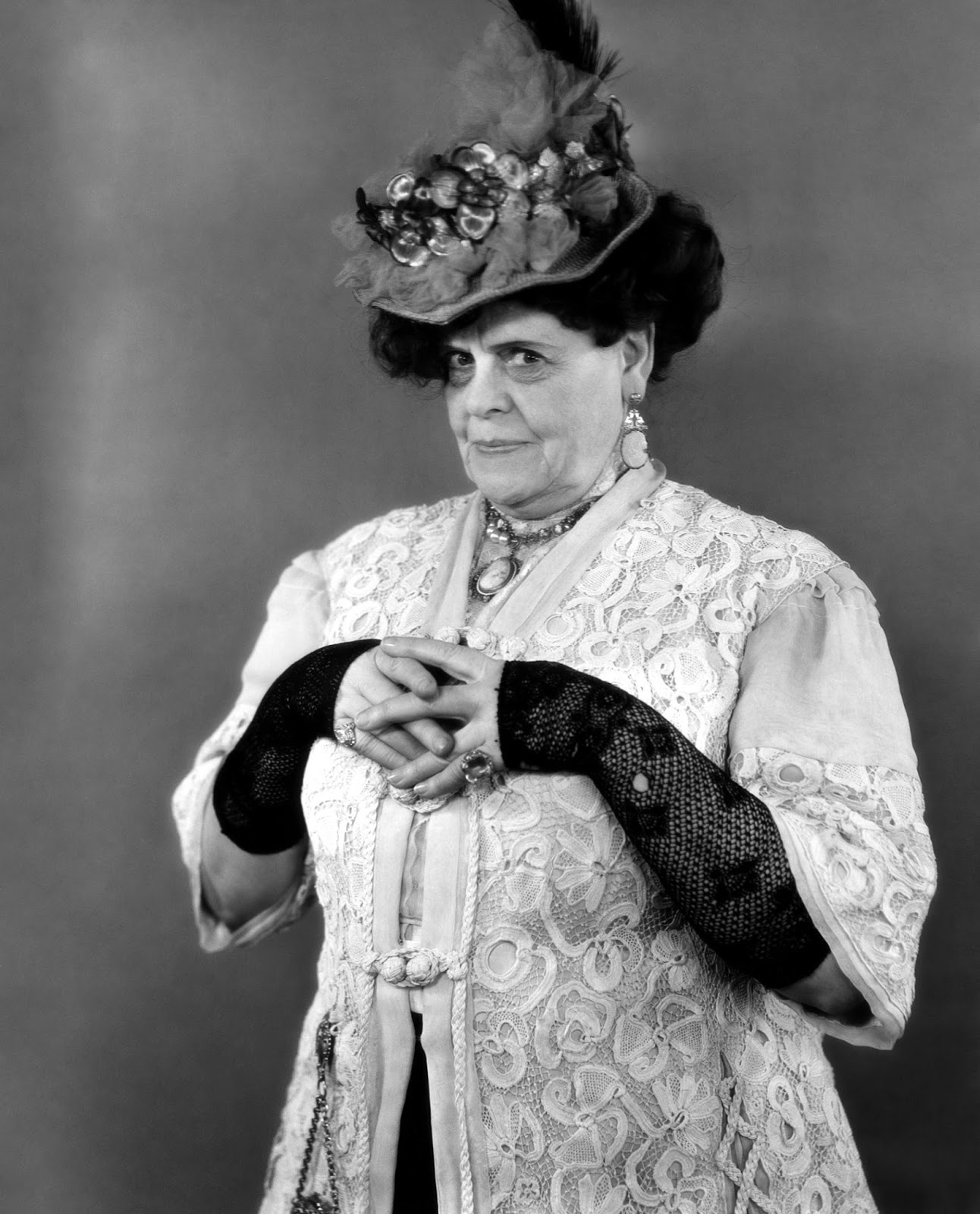 Cleavage Marie Dressler naked photo 2017