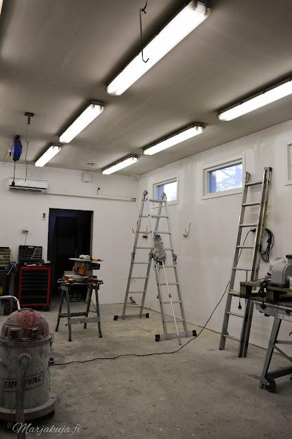 coloria forte seinämaali autotalli remontti seinäpinnat maalaus maali tasoite