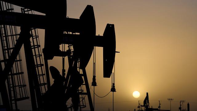 """Trump señala que mantiene conversaciones con la OPEP+, Rusia y Arabia Saudita y trata de """"subir México a bordo"""" para reducir la producción de petróleo"""