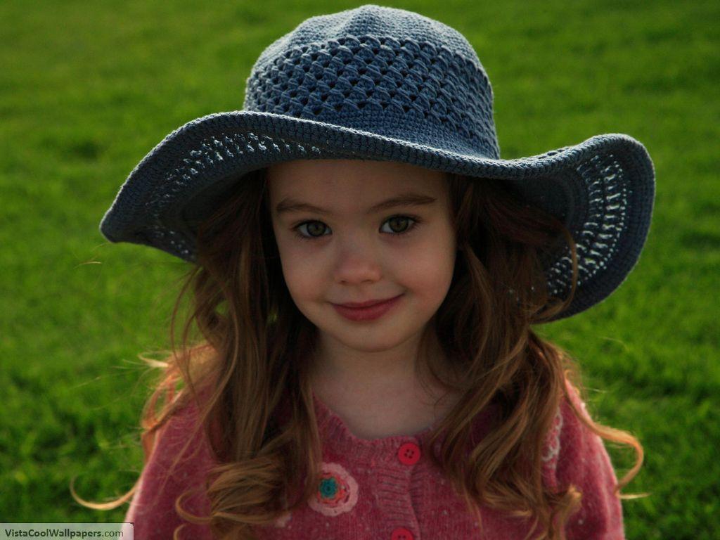 Cute Babies: Cute Baby Girl's Photo