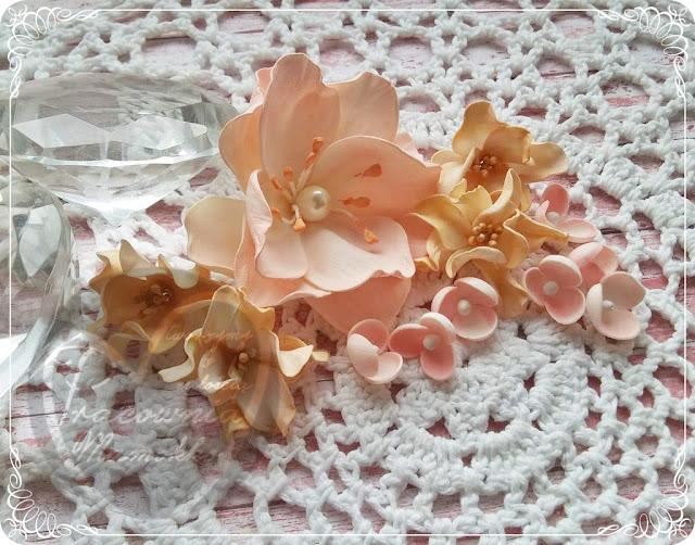 Ślubna z tekturką i kwiatami :)