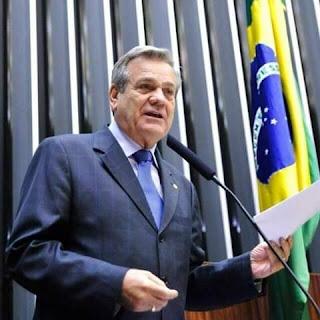 Brasil paga R$1 trilhão de dívida por parte disso não pode socorrer pessoas e economia.