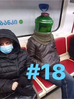 Botella de 5 litros verde como casco enterizo