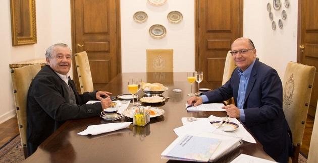 Ex-governador Zé Reinaldo, conversa com o governador de São Paulo Geraldo Alckmin e poderá botar arêia nas eleições de 2018.