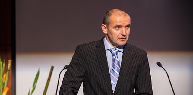 Gudni Johannesson Kembali Terpilih Sebagai Presiden Islandia Periode 2020-2024 Setelah Menang Telak 92 Persen Suara