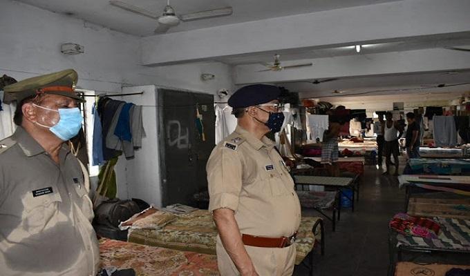 गाजीपुर: पुलिस अधीक्षक डा. ओमप्रकाश सिंह ने पुलिस लाइन का किया औचक निरीक्षण