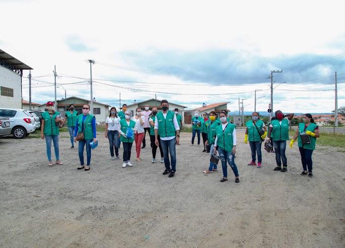 Prefeitura distribui 5 mil máscaras e faz ação educativa com moradores do Complexo Aluízio Campos