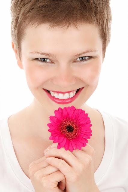 علاجات منزلية بسيطة لبشرة شابة