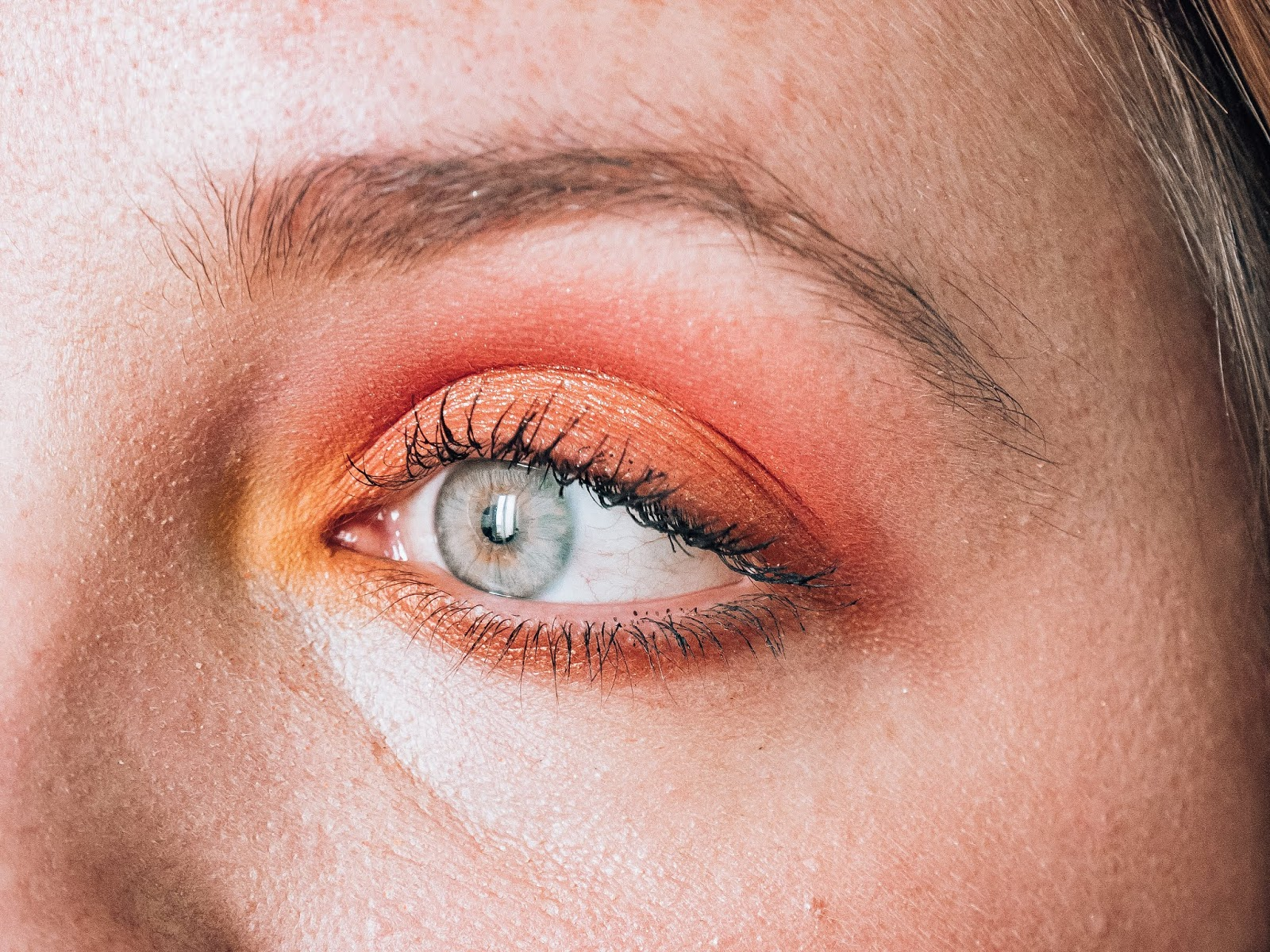 Make-up Orange Neon Orange Huda Beauty
