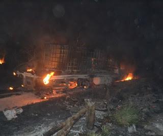 """Tras persecucion y balacera explota camioneta con """"wachacol"""" en Reynosa"""