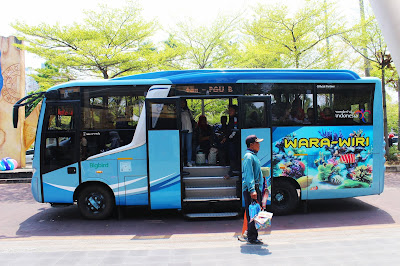 bus wara wiri menjadi akses transportasi keliling di kawasan Ancol