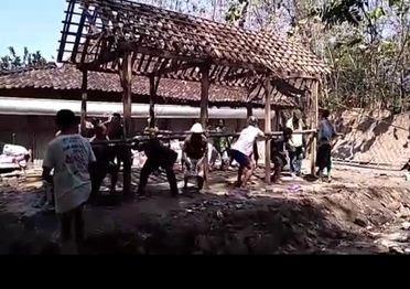 Tradisi Sambatan- Wujud Kearifan Lokal Masyarakat Suku Jawa Yang Tetap Terjaga