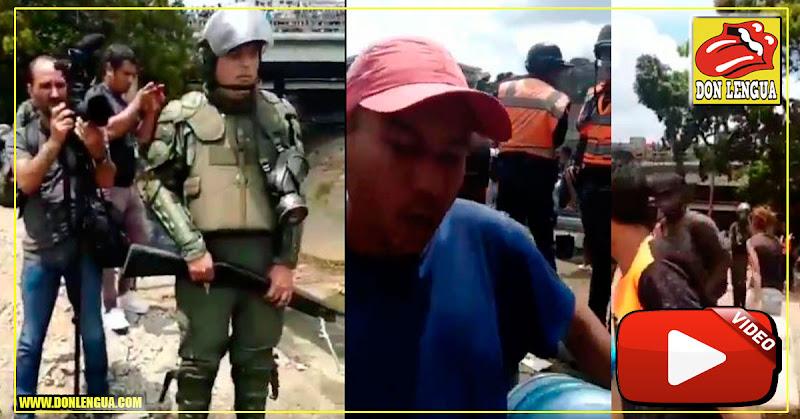 Militares controlan que el Agua Sucia del Guaire sea distribuida a un tobo por persona (NO ES UNA BROMA)