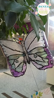 Farfalla con bottiglia di plastica