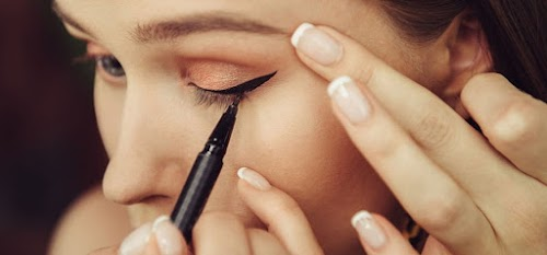 أهم نصائح لرسم العيون بالآيلاينر بنجاح