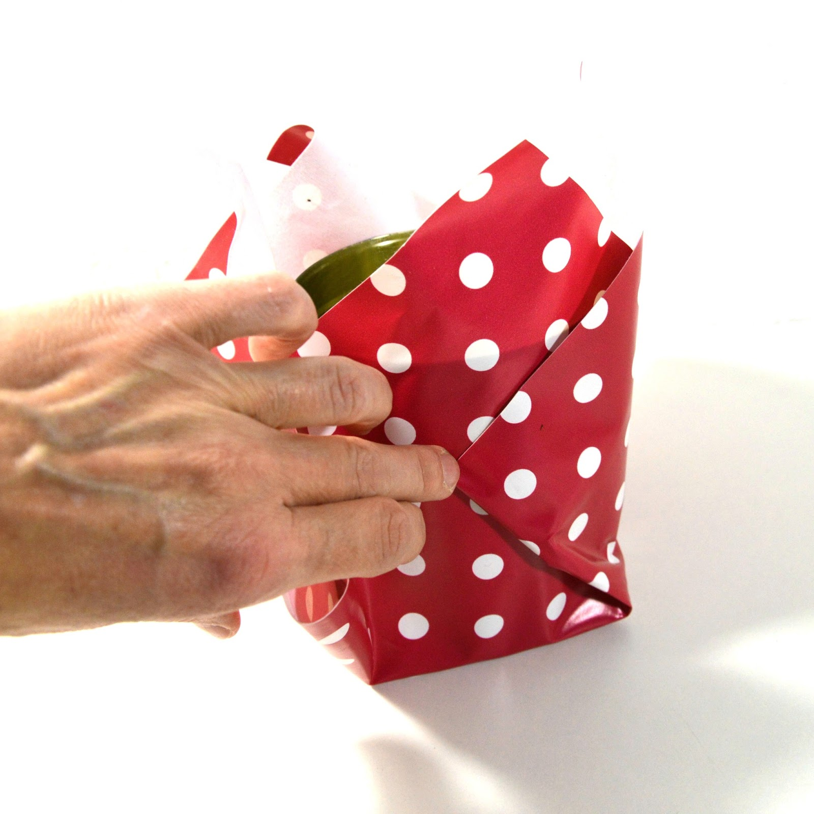 In folie einpacken blumentopf Blumentopf bekleben