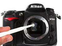 Pengalaman membersihkan sensor kamera