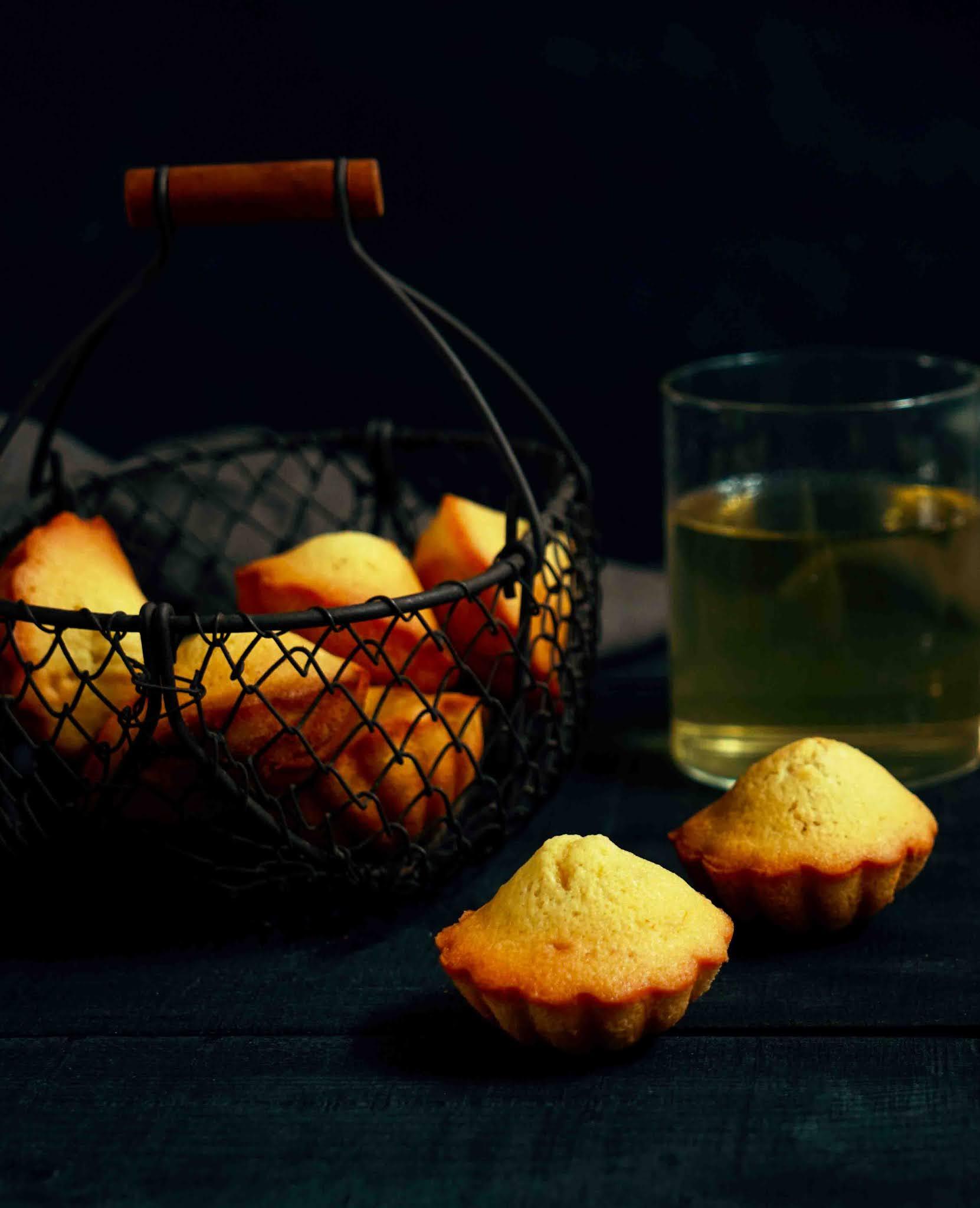 madeleines bien denses , madeleines au citron