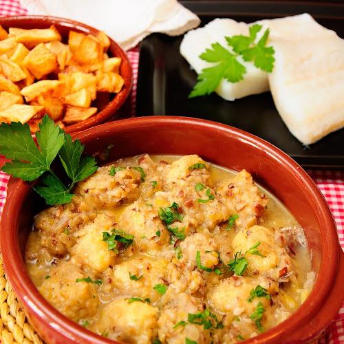 La Cocina De Lechuza Albondigas | Albondigas De Bacalao Al Vapor Con Salsa De Almendras Con Thermomix