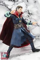 S.H. Figuarts Doctor Strange (Battle On Titan Edition) 34