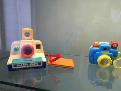 Câmeras de brinquedo da Tomy, marca japonesa, estilo Polaroid e em cores pastéis