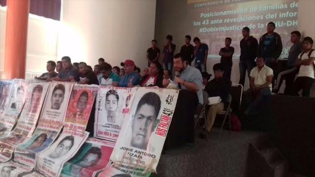 Padres de 43 normalistas desaparecidos: Peña Nieto es cómplice