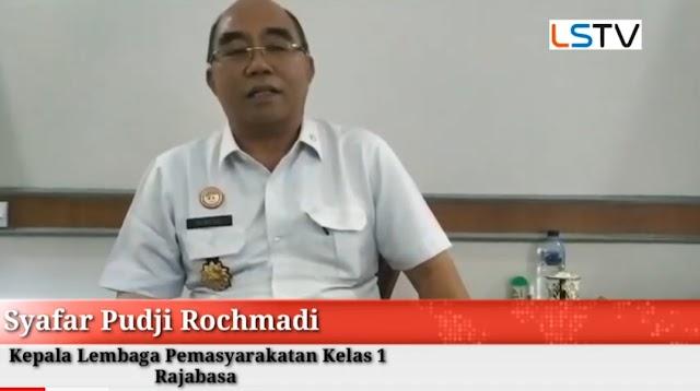 Kepala Lembaga Pemasyarakatan LP Kelas 1 Rajabasa Syafar Pudji Rochmadi Bebaskan124 Narapidana Asimilasi