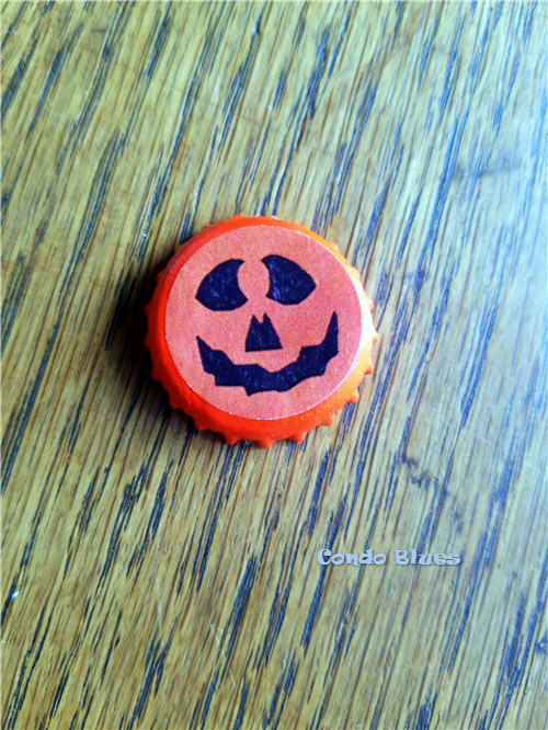 DIY Halloween jack o lantern bottle cap crafts for kids