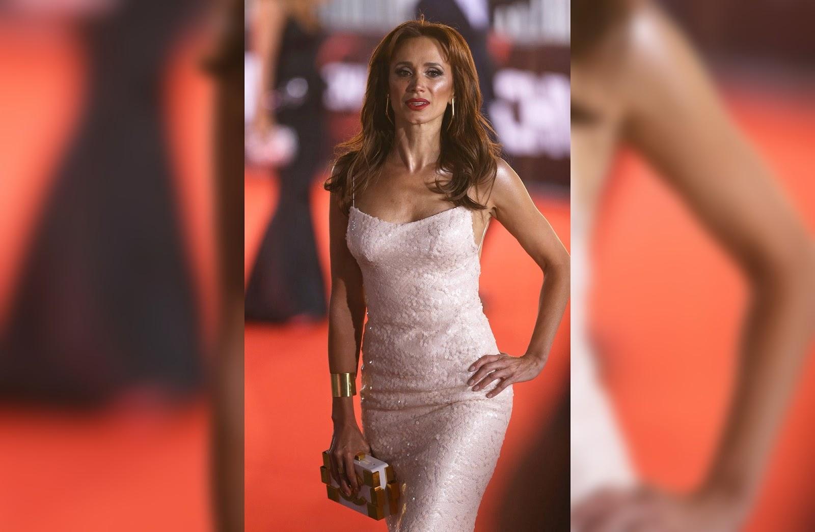 Diseñadora vende vestido que Alejandra Fosalba usó en Gala de Viña 2016