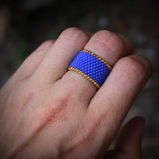 купить бижутерию из бисера ручной работы в интернет-магазине женских колец синего цвета