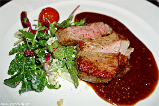 Seared Rib-Eye of Veal del Restaurant Vlaming en Amsterdam