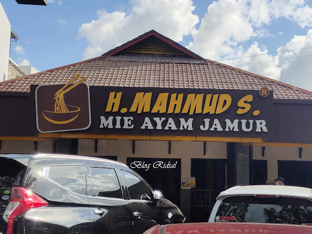 """Semangkuk Mie Ayam Menuju """"Go Digital"""" - Mie Ayam Mahmud"""