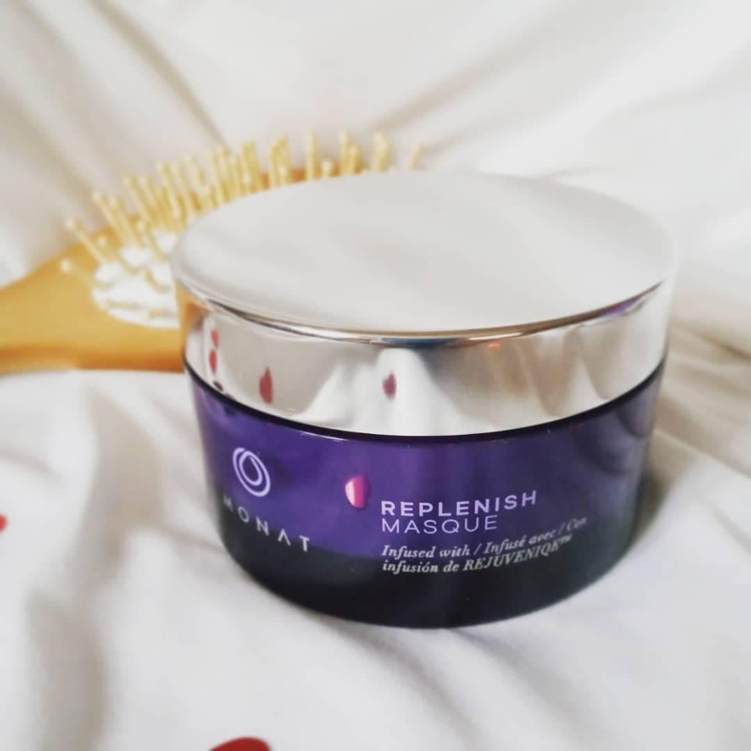 Sposób na regenerację włosów po farbowaniu / Maska Replenish Monat