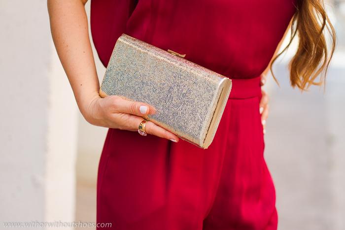 Tendencias accesorios look de invitada colores metalizados dorados